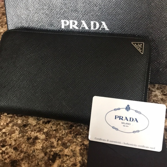 1f0ef78e8c3009 Prada Bags | Preowned Used Wallet In Great Condition | Poshmark